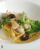「イタヤ貝とプチヴェールのパスタ」。コース料理の中でいただくパスタって「カフェのランチパスタ」とは全く違うお料理ですよね。異次元の存在って感じです。